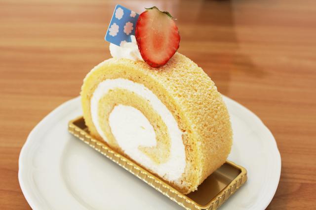 ロールケーキ(カット)